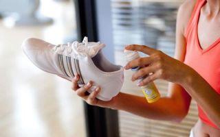 Как должна проводиться обработка обуви при грибке ногтей на ногах