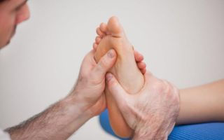 Последствия и лечение боли в стопе под пальцами при ходьбе