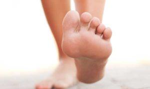 боли в ступне левой ноги