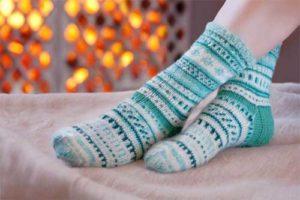 Что делать, если постоянно мерзнут ноги, и что это означает